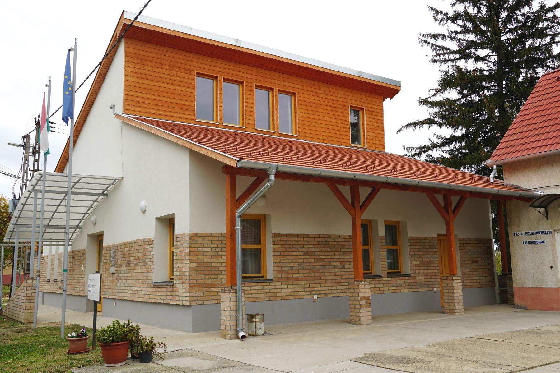 Büssü, Közösségi ház - Fotó: Witzmann Mihály